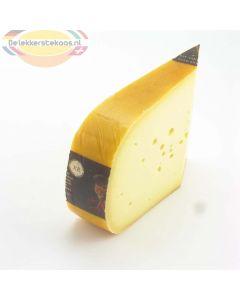Belegen Jumbo kaas van de boerderij