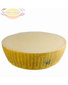 Halve Parmezaanse kaas